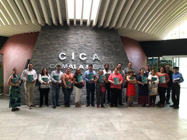 Foto de grupo en CICA - Comala
