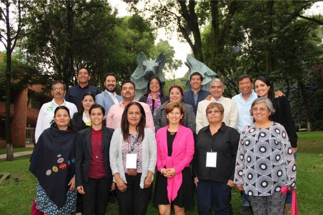 Foto grupo en Universidad Iberoamericana